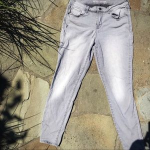Stone Gray Rockstar Mid-Rise Old Navy Jeans!